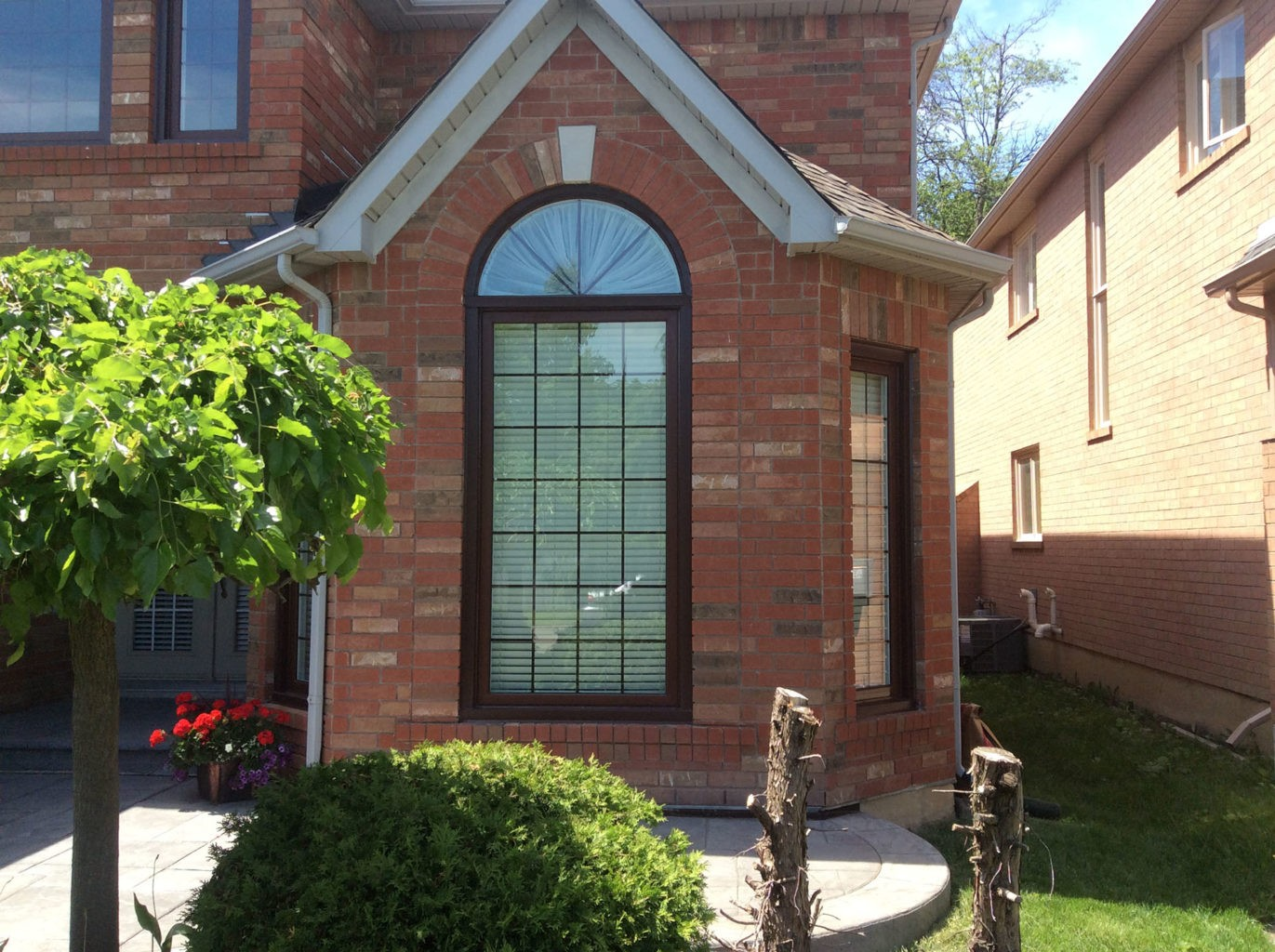 Windows doors portes fenetres montreal 29 factory direct for Fenetre bay window